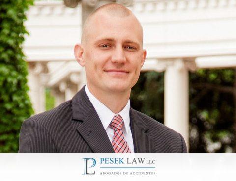 ¿Quién es Ross Pesek? - Abogado de Accidentes, Omaha | Pesek Law